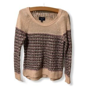 American eagle outfitters lose knit sweater top.